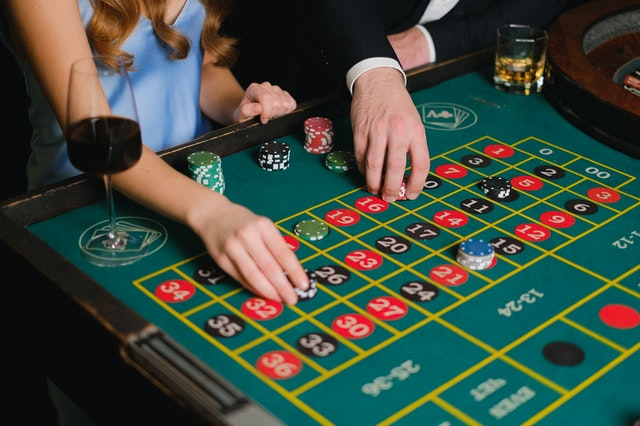 Top Notch Reasons Of Playing At The Online Gambling Site