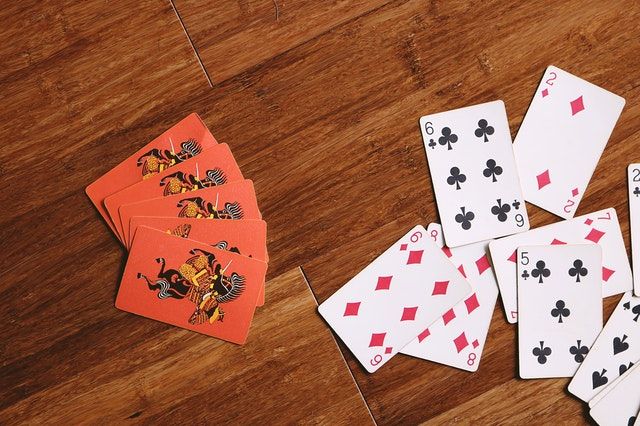 How Playing Poker Online Is More Beneficial Than Traditional One?